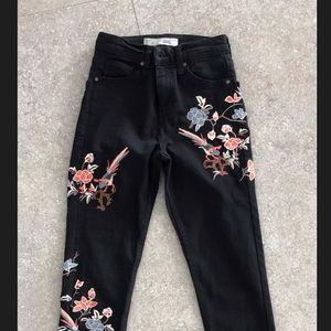 Topshop Jamie Black Skinny Jeans.